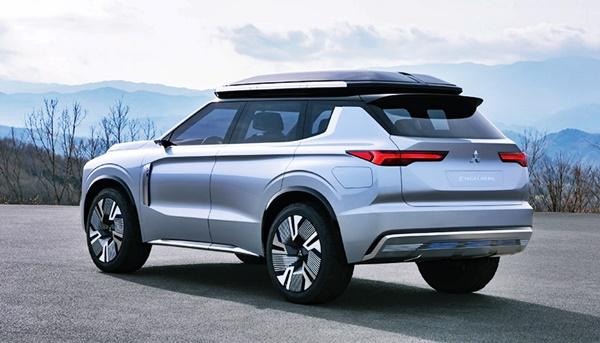 2022 Mitsubishi Outlander Design