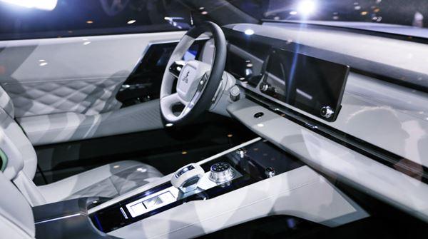New 2022 Mitsubishi Outlander Interior